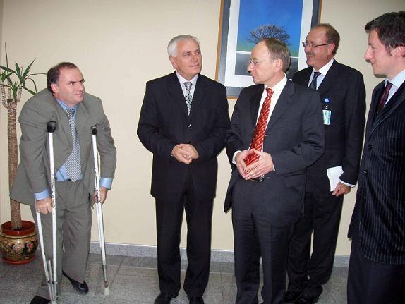 Prizren Belediyesini Ziyaret Eden UNMİK Mision Şefi Rücker, Prizren Belediye Başkan Vekili Ercan Şpat İle Görüştü