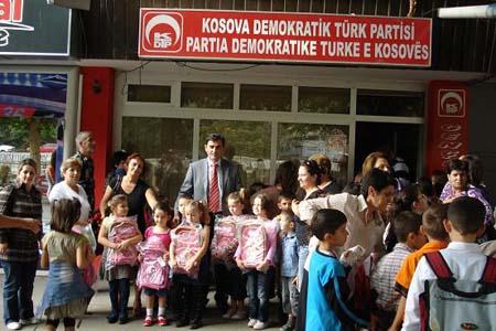 Prizren Öğrencilerine Çanta ve Kırtasiye Yardımı