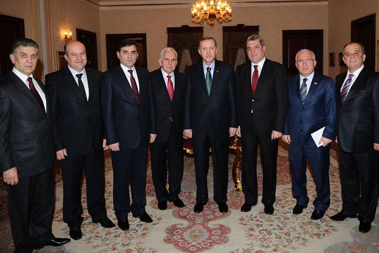 Balkan Heyeti Başbakan Erdoğan'a Geçmiş Olsun Dileklerinde Bulundu