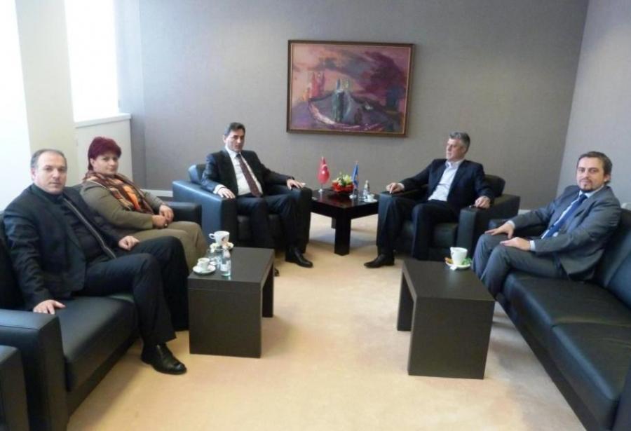 Başbakan Thaçi, Türkçe Kimliklerin Verileceğini Söyledi