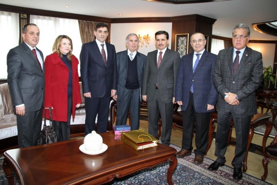Bakan Yağcılar ve Heyeti Vali Ercan TOPACA Ziyaret