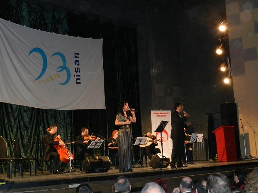 23 Nisan Bayramı Konseri Priştinelileri Coşturdu