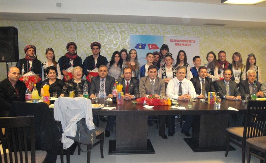 Mitroviça'da 23 Nisan Kosova Türkleri Milli Bayramı Kutlanıldı