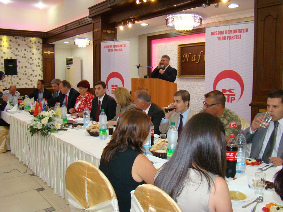 KDTP Geleneksel İftar Yemeğinde Prizren'deki Destekçileriyle Buluştu