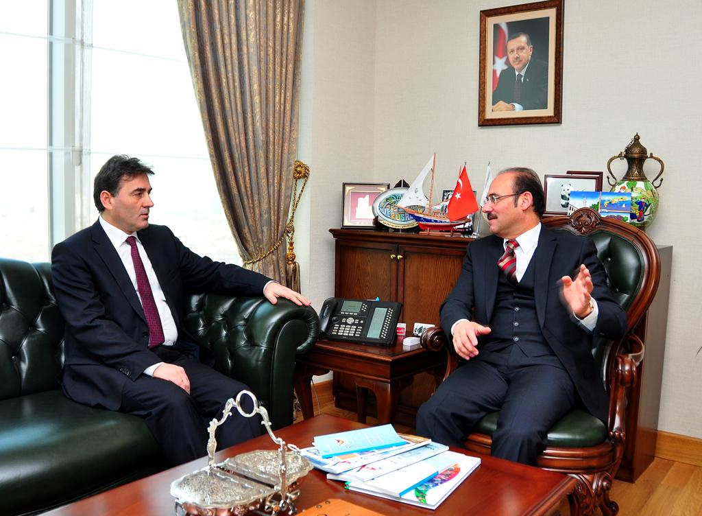 Başkan Yurtnaç, Kosova Kamu Yönetimi Bakanı Mahir Yağcılar'ı ağırladı
