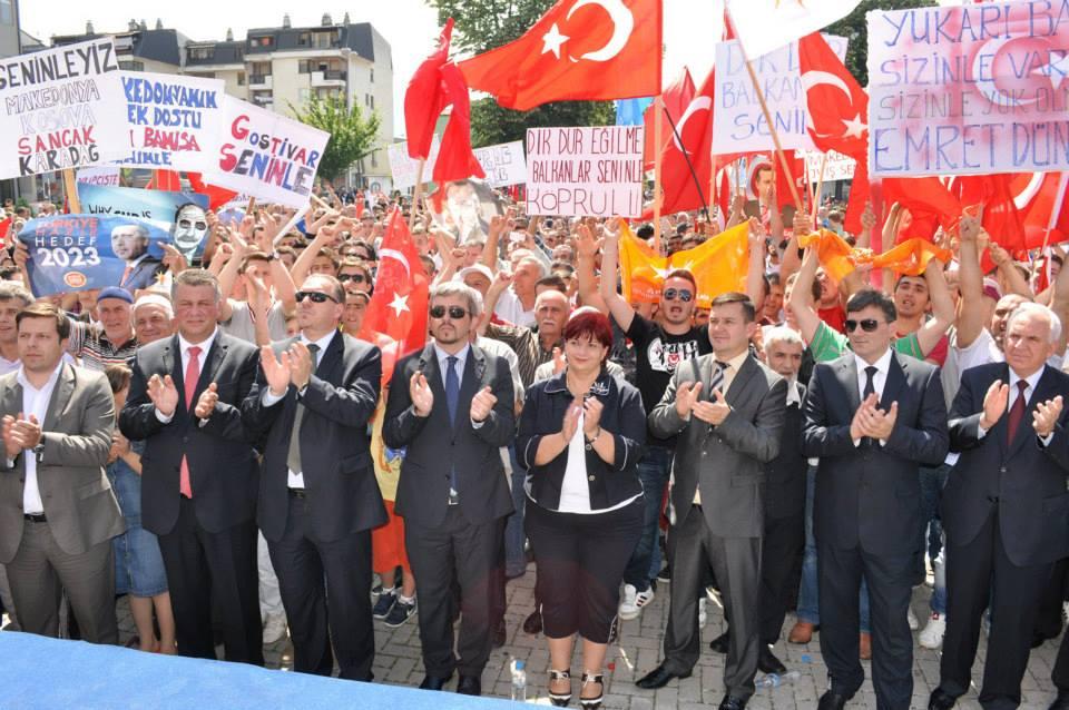Balkan Türklerinden Başbakan Erdoğan'a Destek Mitingi