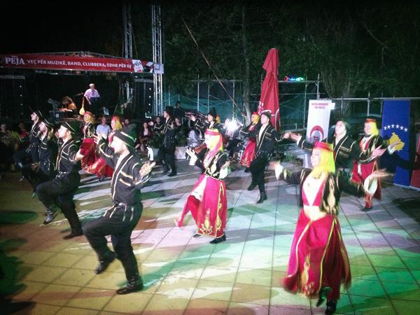 Bursa'nın Halk Oyunları İlgi ile İzlendi