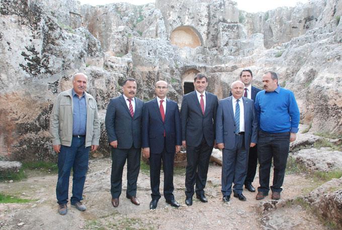 Kosova Kamu Yönetimi Bakanı Adıyaman Valisi'nı Kosovaya Davet Etti
