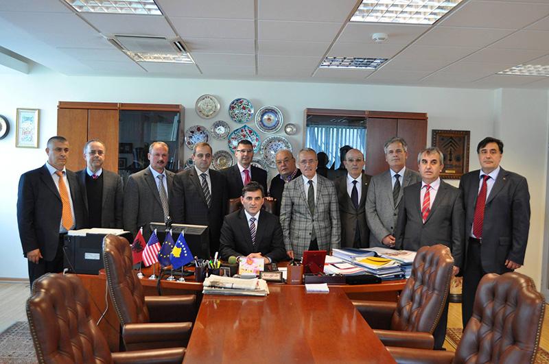 Rumeli Dernekleri Federasyonu Bakan Mahir YAĞCILAR'ı ziyaret etti.