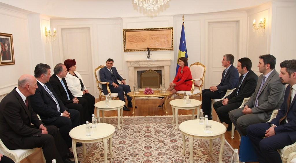 Jahjaga: Türk Topluluğu Kosova Kurumları ve Toplumunda İyi Bir Örnek