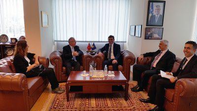Hacettepe Üniversitesi Rektörü Kosova'da