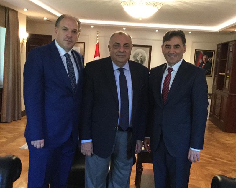 KDTP heyeti T.C. Başbakan yardımcısı Tuğrul Türkeş'i makamında ziyaret etti