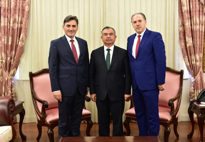 Türkiye Eğitim Bakanı, Yağcılar ve Damka ile bir araya geldi