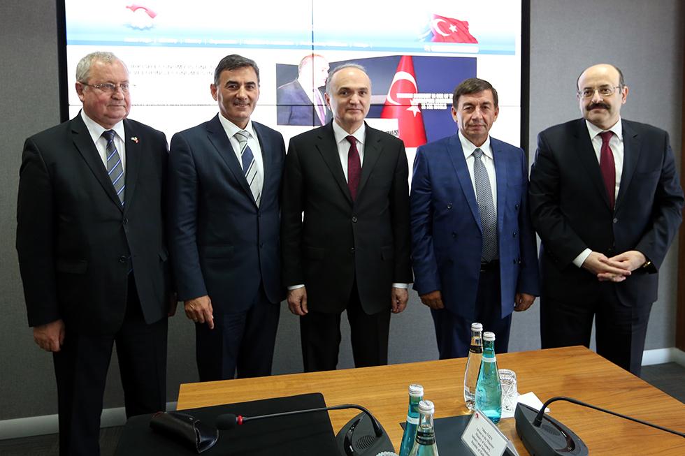 Genel Başkanın Bilim, Sanayi ve Teknoloji Bakanı Faruk Özlü ile Görüşmesi