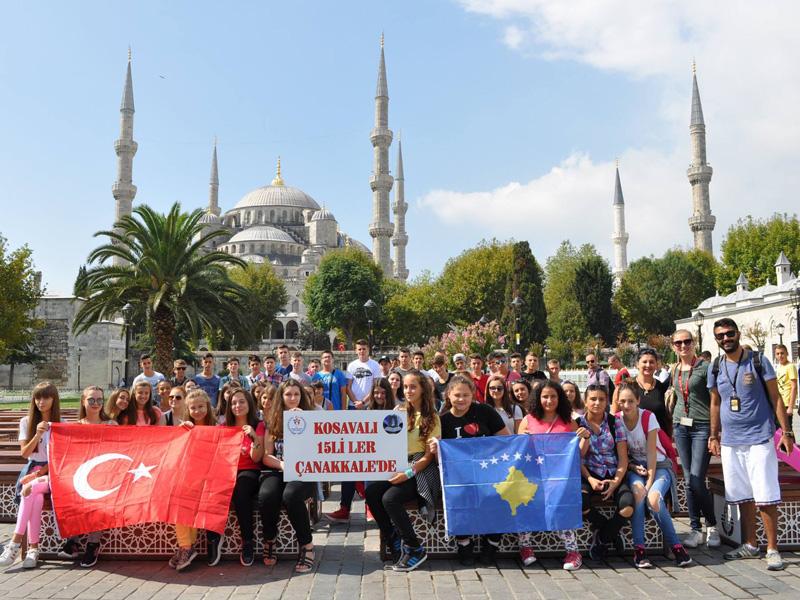 Kosovalı 15'liler Çanakkale'den İstanbul'a Geçtiler