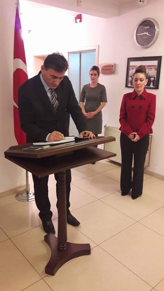 Genel Başkanımız Mahir Yağcılar T.C. Priştine Büyükelçiliğinde Taziye Defterini İmzaladı
