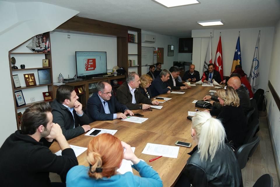 Prizren adayları ile bir araya gelinerek, parti seçim platformu ve seçim takviminin tanıtımı yapıldı
