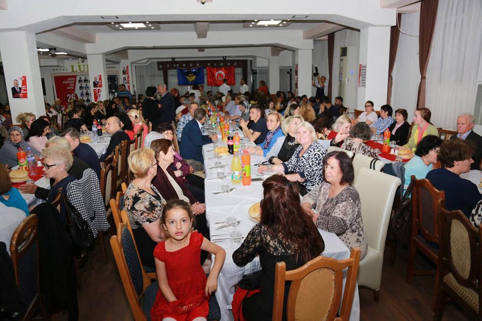 KDTP'nin geleneksel olarak düzenlediği iftar yemeği, bu akşam Gilan'da gerçekleştirildi.