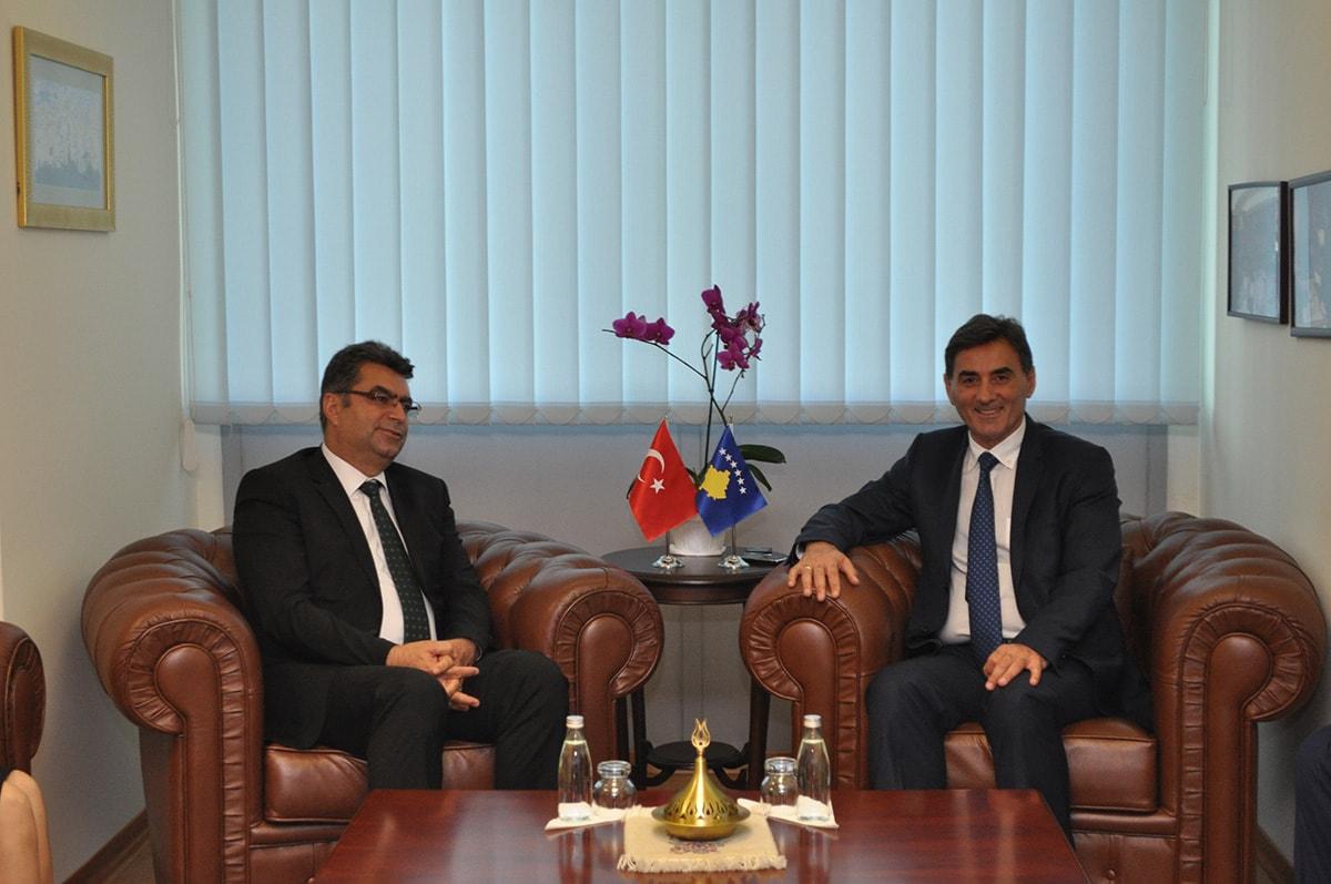Kosova'da Türkçe Eğitim Sorunları Görüşüldü