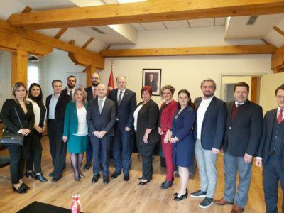 KDTP Genel Başkanı Fikrim Damka Merkezi ve Yerel Düzeydeki Parti Heyetiyle T.C. Prizren Başkonsolosluğunu Ziyaret Etti