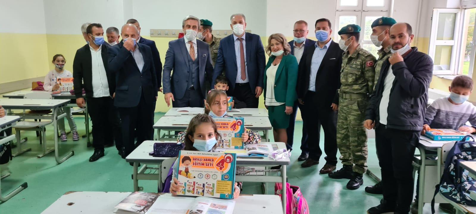 Türkçe Eğitim Setlerinin Dağıtımına Mamuşa'da Devam Edildi