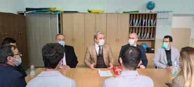 Bakanımız Kervan, Gilan'da Görev Yapan Öğretmenleri Ziyaret Etti