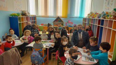 Anasıfı Öğrencilerine Boyama Kitapları Dağıtıldı
