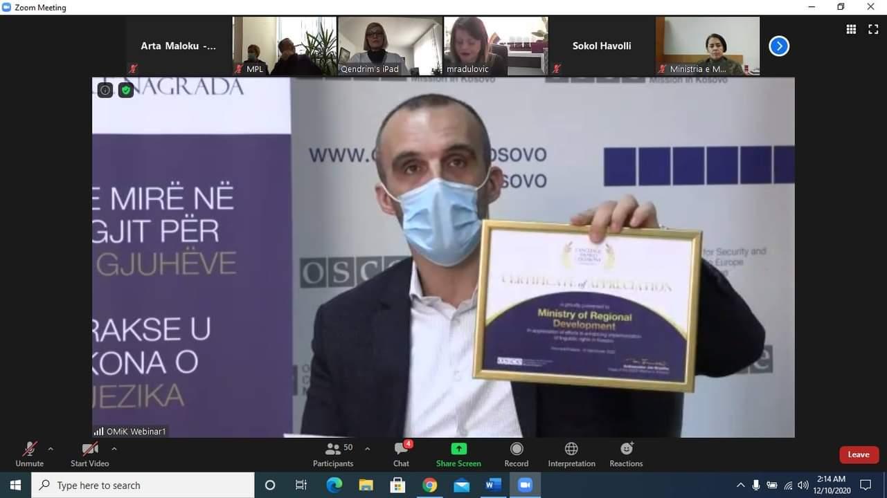 """Bölgesel Kalkınma Bakanlığı, """"Kosova'da Dillerin Kullanımına İlişkin Yasayı Uygulayan En İyi Bakanlık"""" ödülüne layık görüldü."""