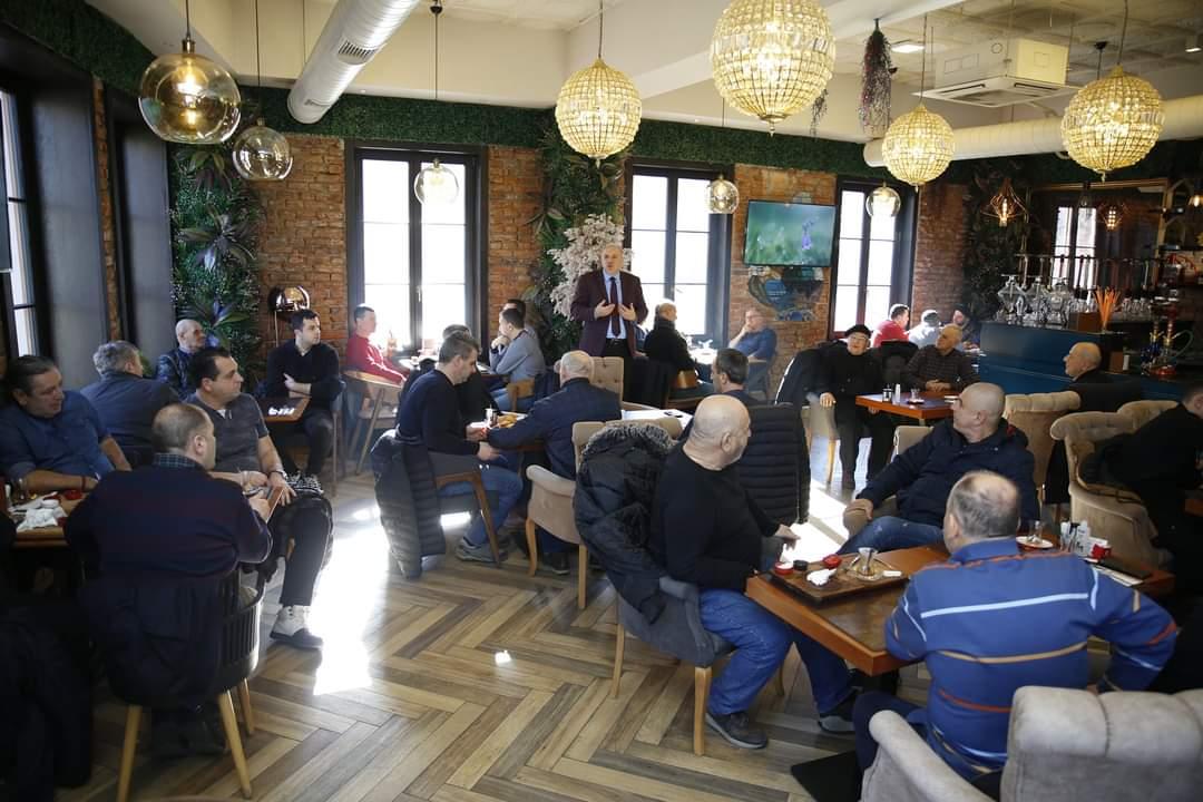 Bugün Genel Başkanımız Fikrim Damka, Prizren Mahalle Sakinleri ile Bir Araya Geldi