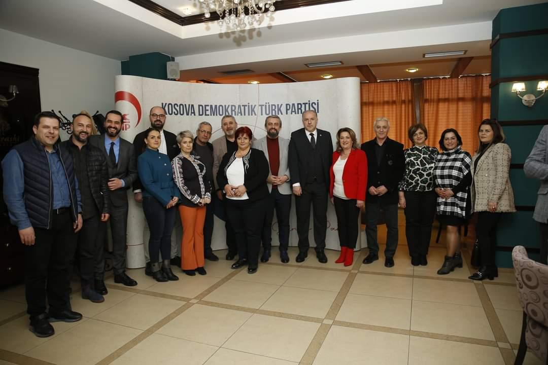 Genel Başkanımız ve Prizren Milletvekili Adayları Prizren'de Türkçe Eğitim Veren Öğretmenlerle Bir Araya Geldi