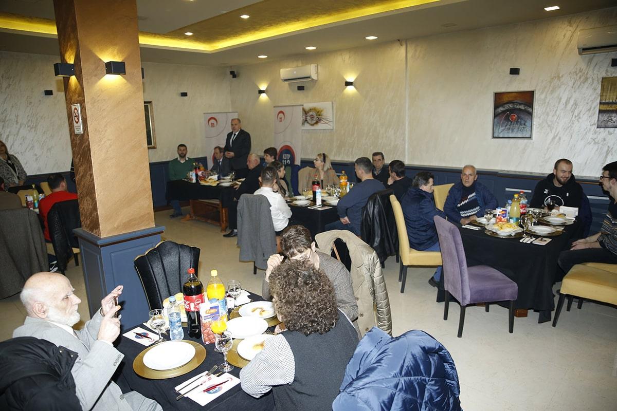 Mitroviça'daki Türk halkıyla bir araya geldi