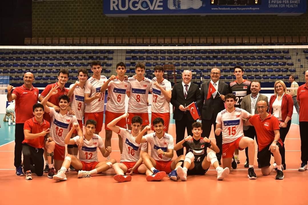 Genel Başkanımız, Balkan Şampiyonası'nda Kosova-Türkiye Arasında Oynanan Müsabakayı İzledi