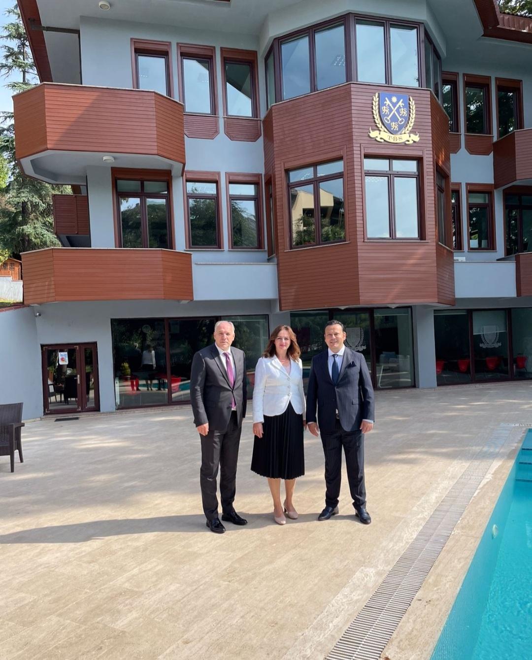 Başkan Damka, Eğitim Bakanı Nagavci ile Özel Tarabya Horizon Kurumlarını Ziyaret Etti